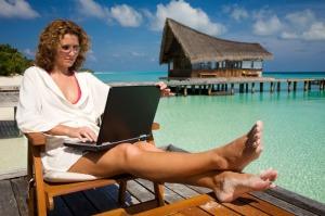 laptop-beach-saidaonline